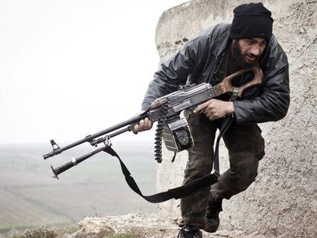 Nga: Khong the phan dinh khung bo voi phien quan o Syria - Anh 1