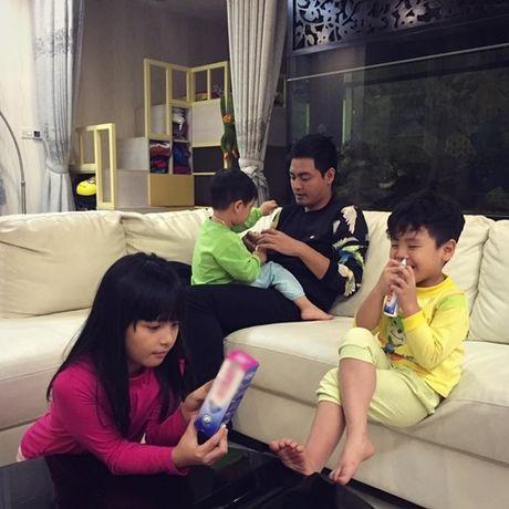 MC Phan Anh: Hoi be thieu ao lanh mac, nay co tai san khong lo - Anh 2