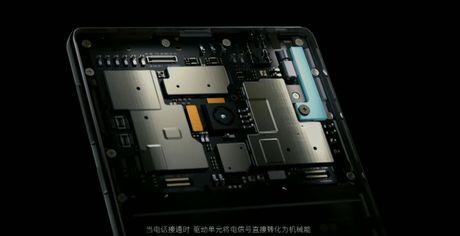 Xiaomi tung ra Mi MIX man hinh 6.4 inch tran 3 canh - Anh 7