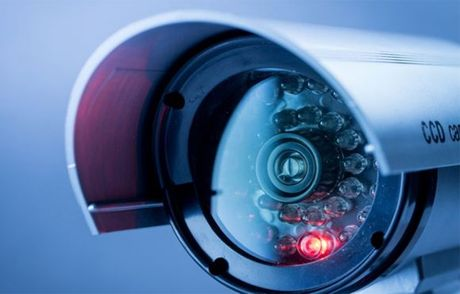 Hacker huy dong webcam Trung Quoc de danh sap Internet - Anh 1