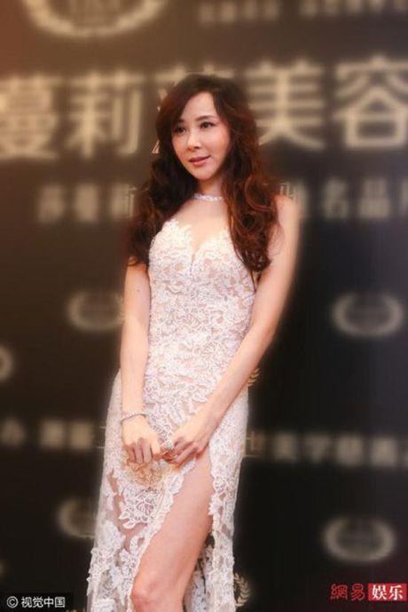 My nhan Dai loan 'dao keo hong' khoe dang dep nhu nu than - Anh 5