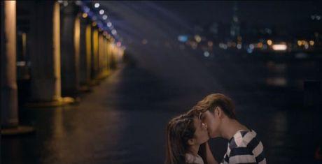 Trailer 'Tuoi thanh xuan 2' - Sau bao song gio, Linh va Junsu lai ve ben nhau? - Anh 15
