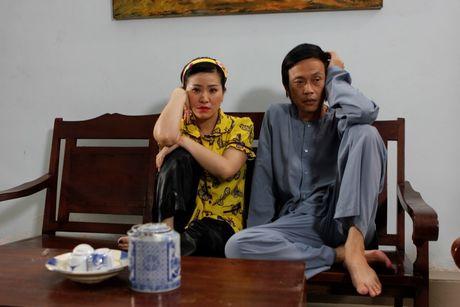 Hoai Linh va Kieu Linh 'tan gia bai san' vi me de - Anh 1