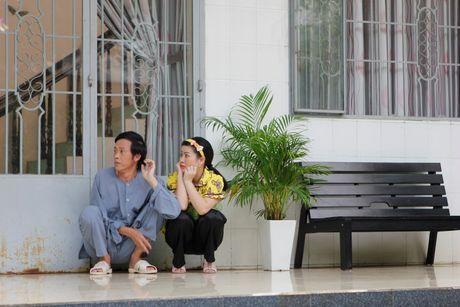 Hoai Linh va Kieu Linh 'tan gia bai san' vi me de - Anh 5