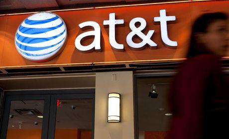 De che truyen thong Time Warner chap nhan cho AT&T thau tom de cung ton tai - Anh 1