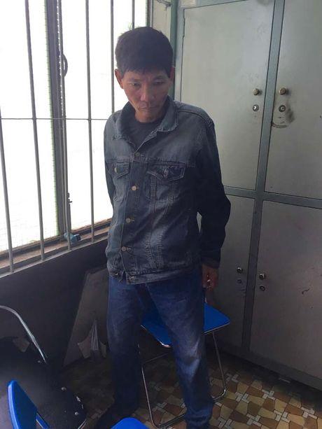 Bat duoc nghi pham no sung o Ben xe Mien Dong truy sat nguoi lai xe om - Anh 1