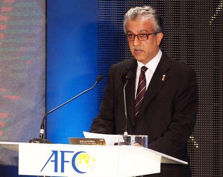 Chu tich AFC nguoi Bahrain chuc mung U-19 Viet Nam - Anh 3