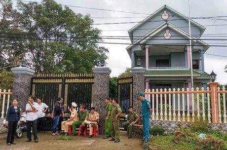 Nguyen nhan tu vong cua vo va con trai truong ban dan van - Anh 1