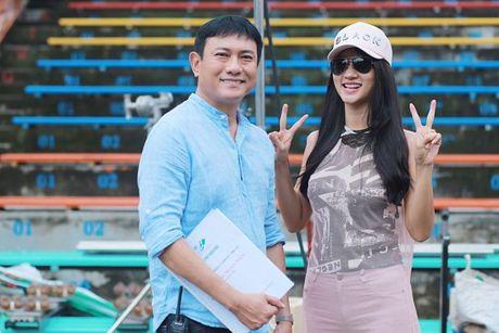 Diep Lam Anh hao hung khoe 'hau due Thanh Long' la 'chong' - Anh 4