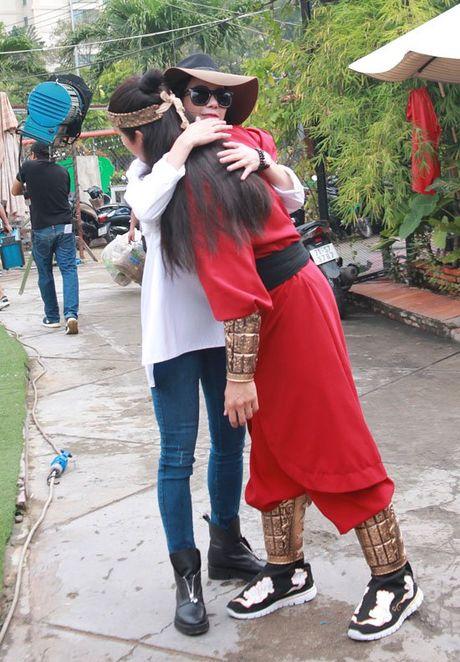 Diep Lam Anh hao hung khoe 'hau due Thanh Long' la 'chong' - Anh 6