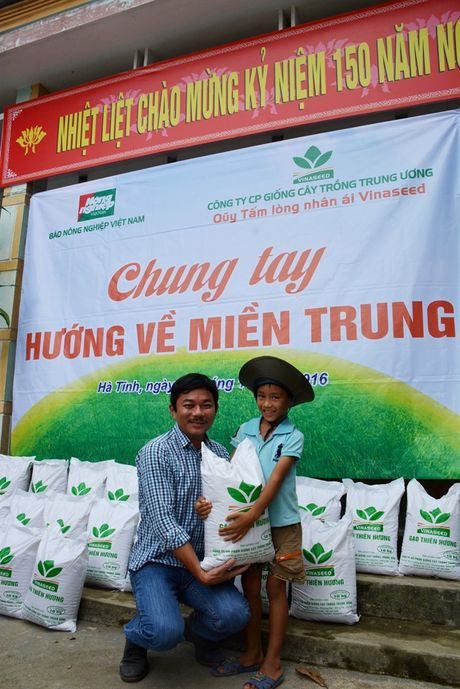 20 tan gao nghia tinh se chia voi ba con vung lu Ha Tinh - Anh 6