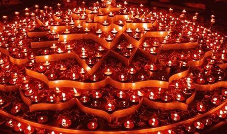 Ha Noi: Tung bung Le hoi Anh sang Diwali - Anh 1