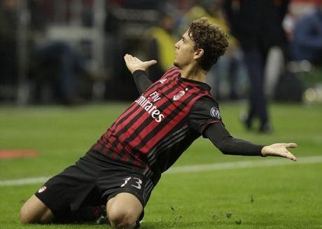 Nguoi hung Milan, Manuel Locatelli: Duoc vi voi Albertini nhung muon la Pirlo - Anh 1