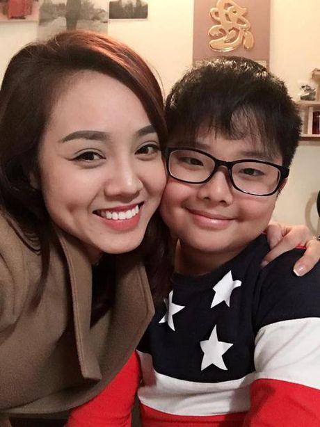 Cong Ly va ban gai vui ve ve chung vui trong ngay sinh nhat con trai Thao Van - Anh 5