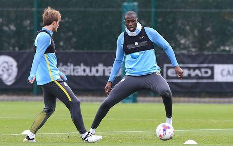 Chim bo cau 'pha dam' Man City truoc them derby Manchester - Anh 6