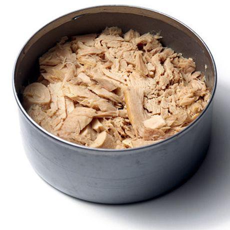 Nhung thuc pham giau vitamin B12 giup tang suc de khang - Anh 7