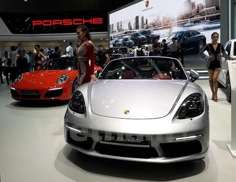 Porsche gioi thieu nhieu xe moi o Trien lam oto quoc te Viet Nam - Anh 1