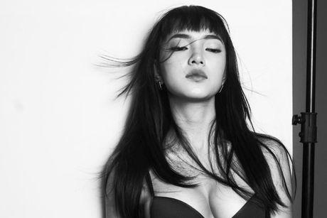 Hot girl Chau Bui 1m60 tu tin 'ap dao' dan mau 1m90 - Anh 12