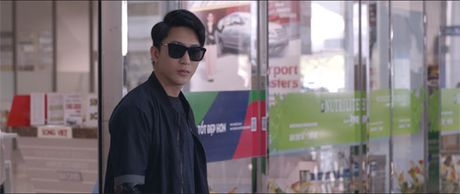He lo tao hinh cua co ca sy Minh Thuan trong phim hai moi - Anh 3