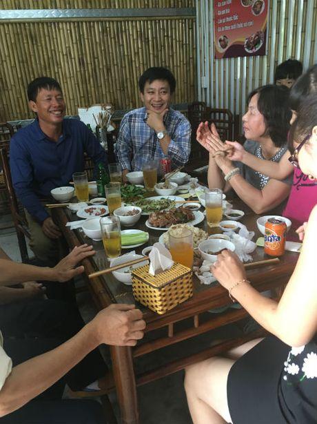 Trang trai Doan Van Vuon can moc mot van con vit bien - Anh 2