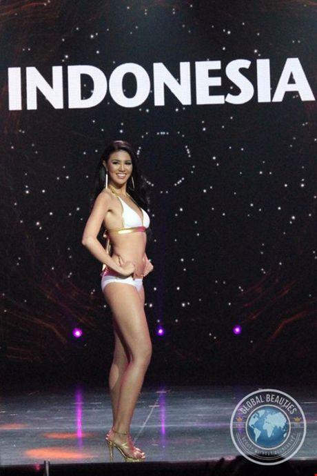 Anh bikini 'bong ruc' cua tan Hoa hau Hoa binh Ariska Putri Pertiwi - Anh 7