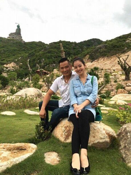 Choang voi mat moc cua Jennifer Pham khi mang bau lan 3 - Anh 1
