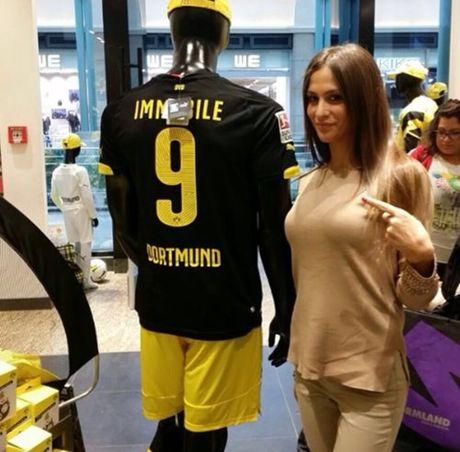 Jessica Melena - Nang tho xinh dep cua sao Serie A - Anh 9