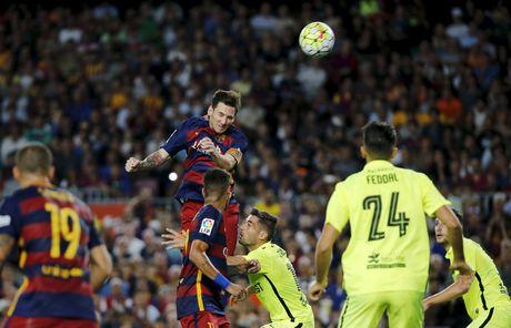 37 cu hat-trick cua Leo Messi cho Barca qua anh (Phan cuoi) - Anh 7