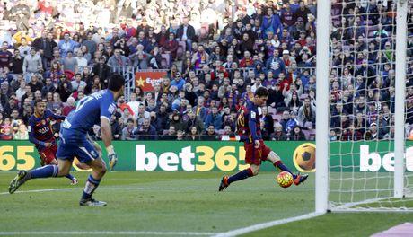 37 cu hat-trick cua Leo Messi cho Barca qua anh (Phan cuoi) - Anh 9