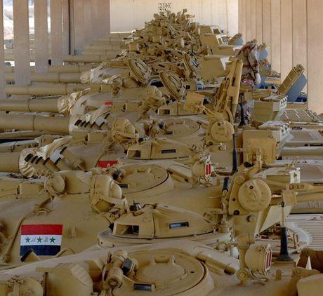 Xe tang T-72M1 xung tran danh phien quan IS o Mosul - Anh 4