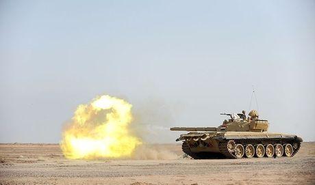 Xe tang T-72M1 xung tran danh phien quan IS o Mosul - Anh 7