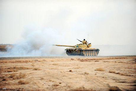 Xe tang T-72M1 xung tran danh phien quan IS o Mosul - Anh 8