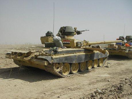 Xe tang T-72M1 xung tran danh phien quan IS o Mosul - Anh 9