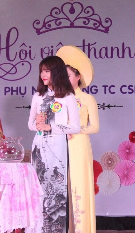 Nu sinh canh sat keu goi toan truong ung ho mien Trung - Anh 5