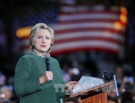 Ba Hillary Clinton thang the trong dot bo phieu som - Anh 1
