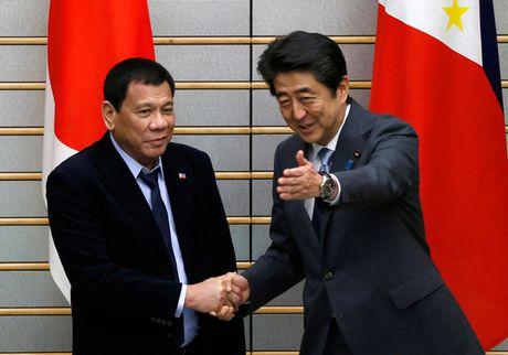 Tong thong Duterte than trong o Nhat - Anh 1