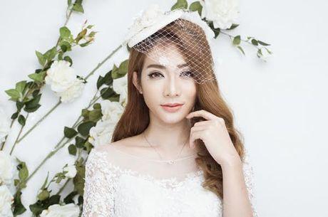 Kim Nha bat ngo 'thoat xac' hoa co dau goi cam - Anh 1