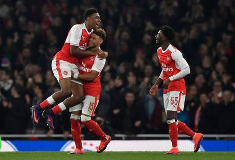 Chamberlain lap cong, Arsenal vuot qua Reading - Anh 1
