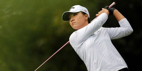 Golf 24/7: Tiger Woods chi tap trung… luyen game - Anh 3