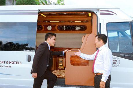 Ra mat doi xe dua don tieu chuan Limousine tai Resort Hon Tam - Anh 3