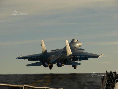 Tiem kich Su-33 xuat kich, Dia Trung Hai tang nhiet - Anh 11