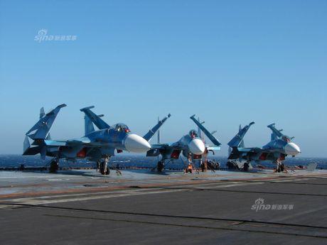 Tiem kich Su-33 xuat kich, Dia Trung Hai tang nhiet - Anh 13
