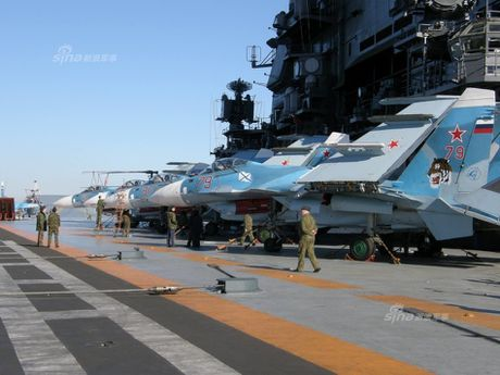 Tiem kich Su-33 xuat kich, Dia Trung Hai tang nhiet - Anh 14