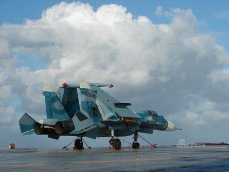Tiem kich Su-33 xuat kich, Dia Trung Hai tang nhiet - Anh 7