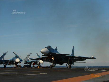 Tiem kich Su-33 xuat kich, Dia Trung Hai tang nhiet - Anh 9