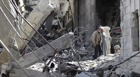 Lien quan My khong kich o at Syria, 300 thuong dan thiet mang - Anh 1