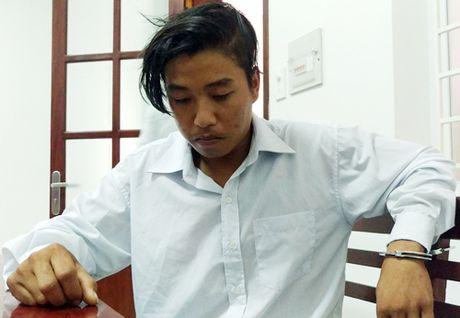 Thu doan cua nghi pham sat hai vo va con trai Truong ban dan van - Anh 1