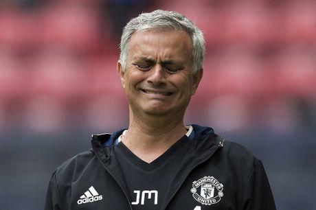 Jose Mourinho: 'Song o Manchester la tham hoa' - Anh 2