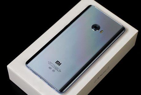 Can canh Xiaomi Mi Note 2 mau Glacier Silver cuc dep - Anh 2