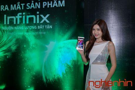 Infinix ra mat cap smartphone pin khung gia tu 2,5 trieu dong - Anh 1